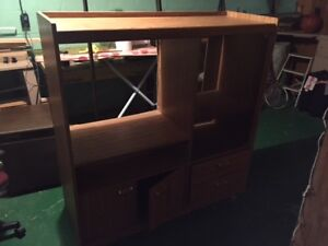 tv stand and shelve in good condition