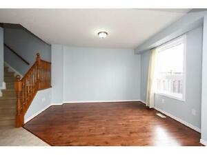 NEWER TOWNHOUSE IN  EAST GALT 3 bed 2.5 bath FERNCLIFFE ST Cambridge Kitchener Area image 2