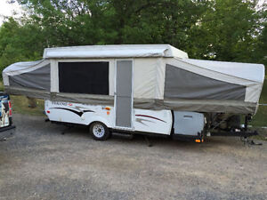 Viking 2465SST Pop-Up Trailer - LIKE NEW