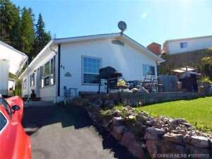 3 bed, 2 bath, double mobile in Sorrento.
