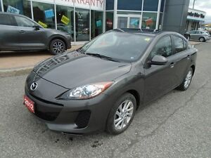 2012 Mazda Mazda3 **SUNROOF, HEATED SEATS & CRUISE** GS SKYACTIV