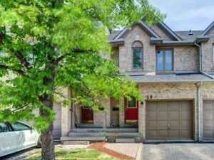 Executive 3 Bdr Townhouse W/Low Condo Fees, In The Highly Sought
