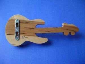 Porte clés mural en forme de guitare Saguenay Saguenay-Lac-Saint-Jean image 2