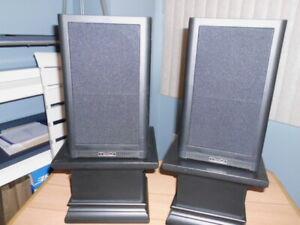 Paire de haut-parleurs de marque Mission 760I