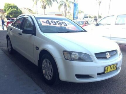 2006 Holden Commodore VE Omega White 4 Speed Automatic Sedan