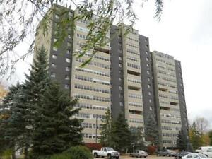 1 bedroom condo in Waterloo at University Ave & Lincoln Rd