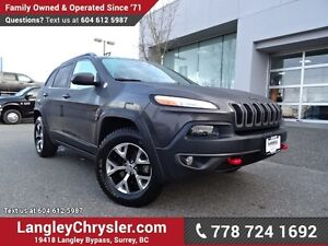 2016 Jeep Cherokee Trailhawk W/ 4X4, LEATHER & PANORAMIC SUNROOF