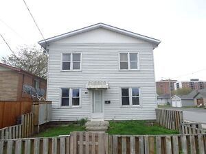 NEWLY RENOVATED 2 BDRM IN KINGSCOURT AREA - 40-1 Connaught St