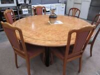 **BIG ROUND SOLID WOOD OAK EFFECT DINING TABLE FOR 12 PEOPLE+GOOD CONDITION+FREE DELIVERY SAMEDAY**