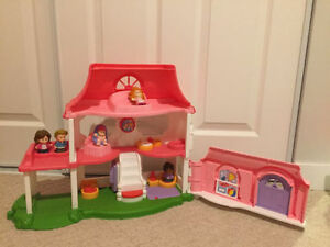 Little People Playhouse, Musical ABC Barn, Bouncer etc