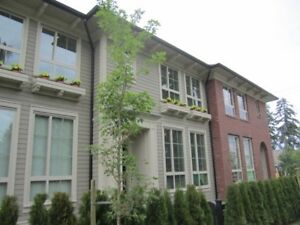 Gorgeous, bright 3 BR Townhouse @ Morgan / South Surrey