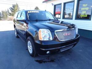 2013 GMC Yukon SLE 9 Passenger 4x4 (upgraded wheels!)