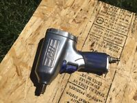 Air powered impact wrench 1/2""