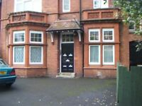 **FIRST FLOOR FLAT**STRENSHAM HILL-MOSELEY**SPACIOUS**EXCELLENT LOCATION**CLOSE TO ALL AMENITIES**
