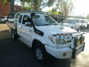 2005 Toyota Hilux KUN26R MY05 SR5 Xtra Cab White 5 Speed Manual Utility Merrylands Parramatta Area Preview