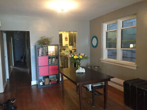LITTLE ITALY - COLLEGE AND OSSINGTON ROOM RENTAL - OCTOBER 1