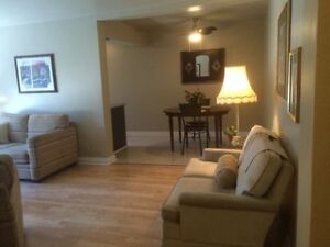1 BEDROOM FURNISHED APT. SUBLET. INCL Internet + Last Month