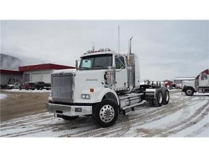 2015 Western Star - White w/Sleeper