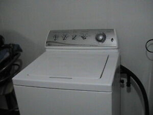 Maytag modern top load washer, works great  477 8320