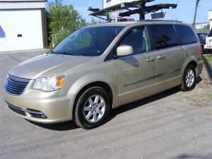 2011 Chrysler Town & Country 7 Passenger