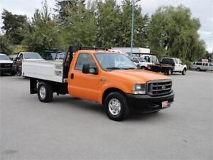 2004 FORD F-350 SUPER DUTY XL REGULAR CAB FLAT DECK 1 TON