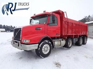 2006 VOLVO VHD TRI-AXLE DUMP TRUCK, 20'FT STEEL BOX Kitchener / Waterloo Kitchener Area image 1
