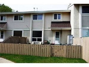 renovated Townhouse in Town of Devon for rent