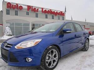 2014 Ford Focus SE Pneus hiver + été, Mags 17', Aileron