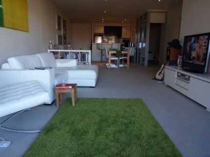 Room for rent- 1 block from the beach! Port Melbourne Port Phillip Preview