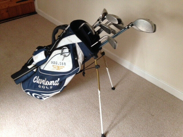 11 PGA Collection EZ3 steel shaft Golf Clubs and Cleveland bag suitable for 6ft tall person