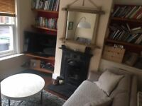 Double Room in Victorian Terrace House in Central Winchester Mon - Fri Let