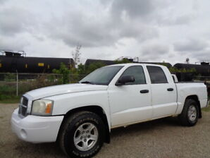 2007 Dodge Dakota SLT-CREWCAB-4X4--RUNS AND DRIVES EXCELLENT