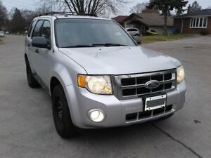 2010 Ford Escape 2.5, 4 cilynder SUV, Crossover