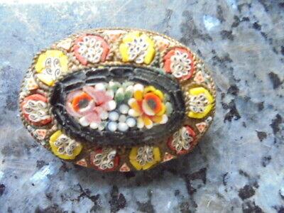 belle broche ovale ancienne en micromosaique