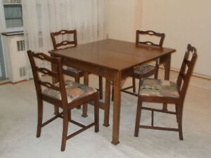 Knechtel Expandable Table Seats From 1 To 8 With 4 Chairs