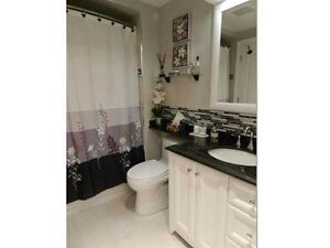 Great 3-Br upper level for rent-Close to Upper Canada Mall
