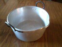 Vintage preserving pan