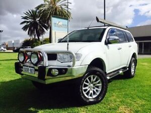 2011 Mitsubishi Challenger PB MY11 LS (5 Seat) (4x4) White 5 Speed Manual Wagon Maddington Gosnells Area Preview
