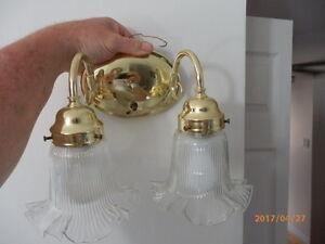 2 light vanity set