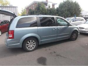 2008 CHRYSLER TOWN AND COUNTRY, DVD, 8 PNEUS, CAMERA