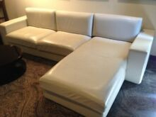 BARGAIN PRICE L-SHAPE LOUNGE CREAM LEATHER ON SALE NOW!!!!! Inner Sydney Preview