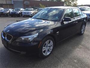 2010 BMW 5 Series 528i xDrive*NAVI*PARKING SENSORS*ACCIDENT FREE
