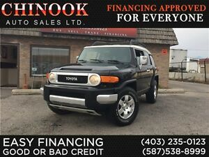 2007 Toyota FJ Cruiser V6 4x4 w/No Accidents,Rear Sensors,Cruise
