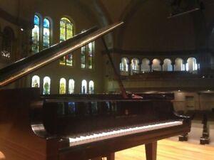 Spécialiste Réparateur + Accordeur de Pianos Montréal +Environs