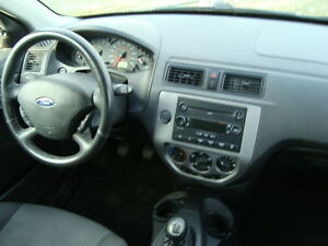 2007 FORD FOCUS SES HATCHBACK SNOW TIRES''GST INCLUDED'''' West Island Greater Montréal image 14