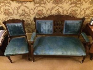 Beautiful ANTIQUE SETEE set $150
