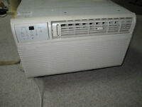 Sears Kenmore Window Aircondition with Remote 12.500 BTU