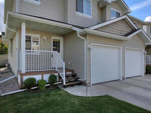 FOR SALE Silver Berry Townhouse ~ Garage, Finished Basement....