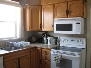 Queen's / St. Lawrence Students 5 bed 2 bath House. May 1st