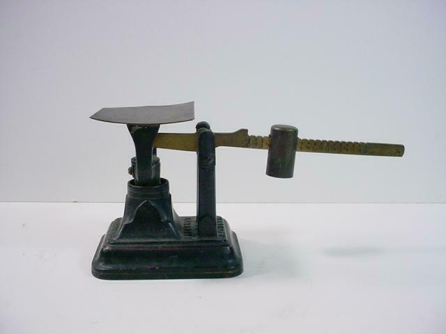 NobleSpirit {9231}Antique Fairbanks Cast Iron Postal Scale